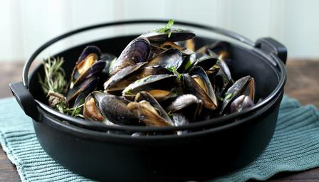Moules MariniereImage: bbc.co.uk/food